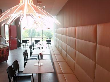 Explora Jupiter Praha restaurace