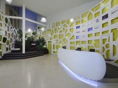 Longin Business Centrum Praha - recepce, obklady